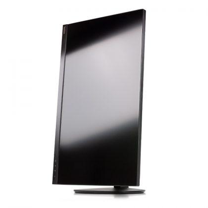 Tolles Angebot: Der ThinkVision P27h-10 hat sehr gute ergonomische Eigenschaften und kann auch hochkant betrieben werden.